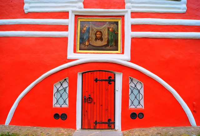 Вход в Успенский собор
