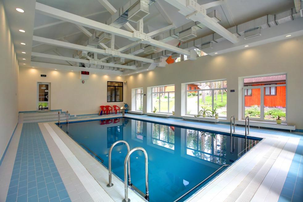 бассейн на базе отдыха